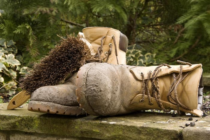 How-to-clean-mens-work-boots